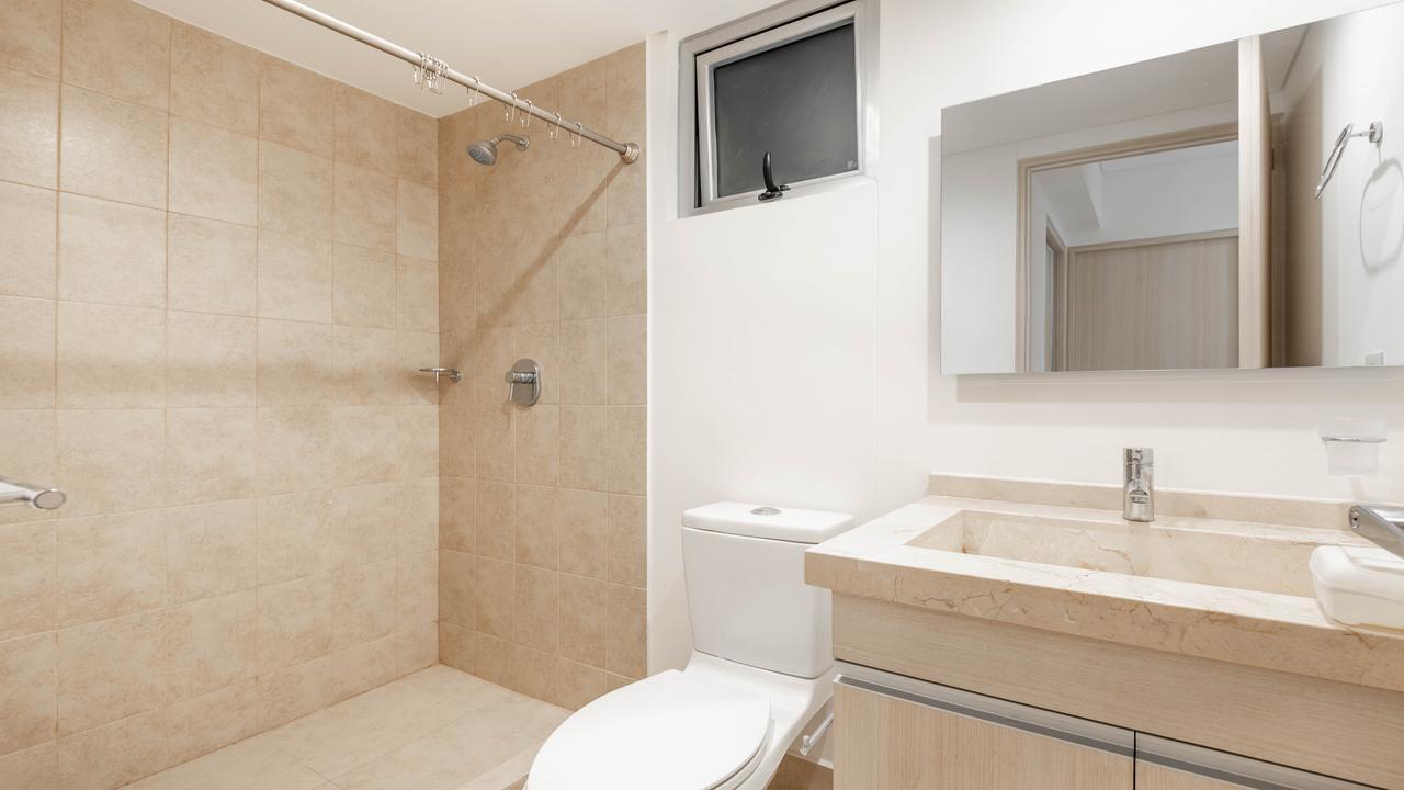 Imagen de baño en Rómulo O'Farrill, Progreso