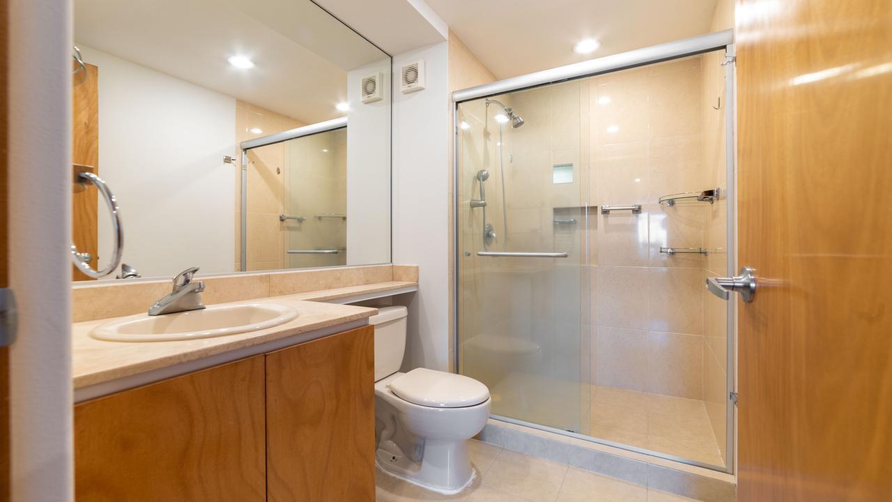 Imagen de baño en Javier Barros Sierra , Santa Fe