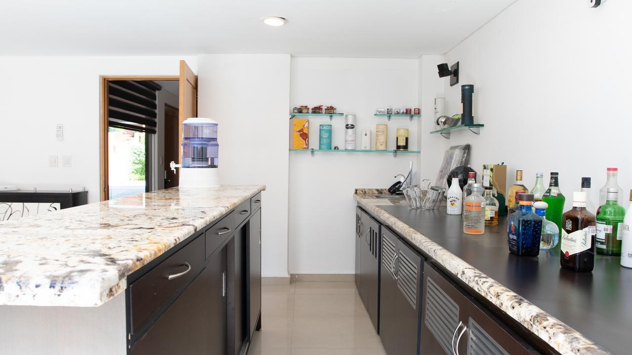 Imagen de cocina en Naranjos, Florida