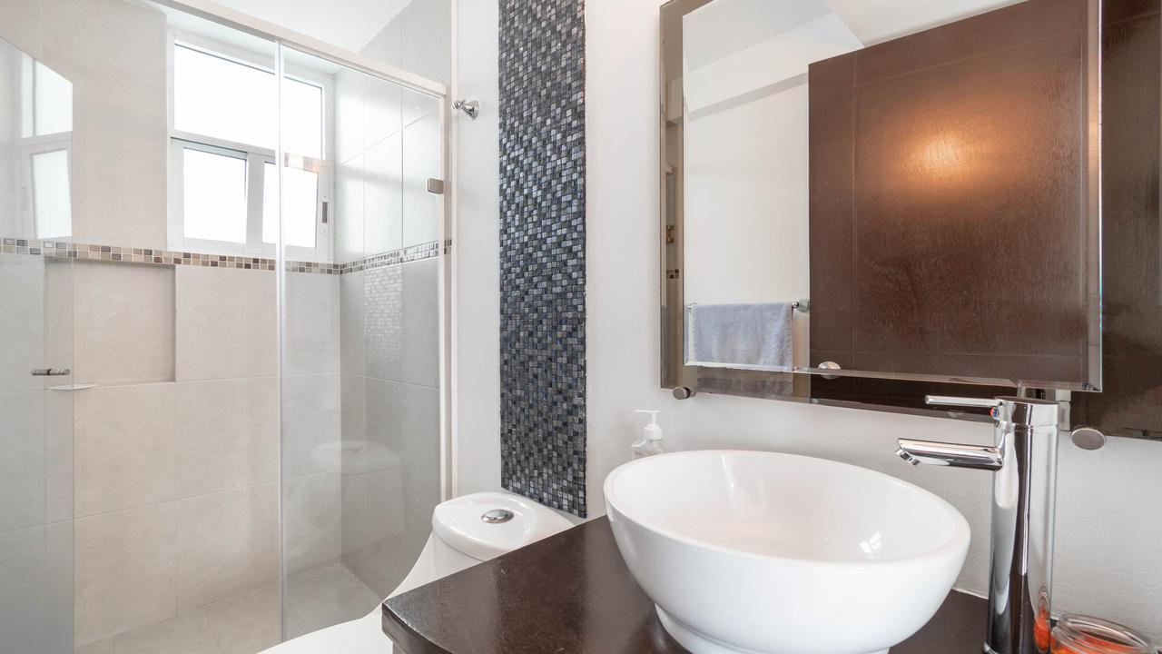Imagen de baño en Petén, Narvarte Oriente