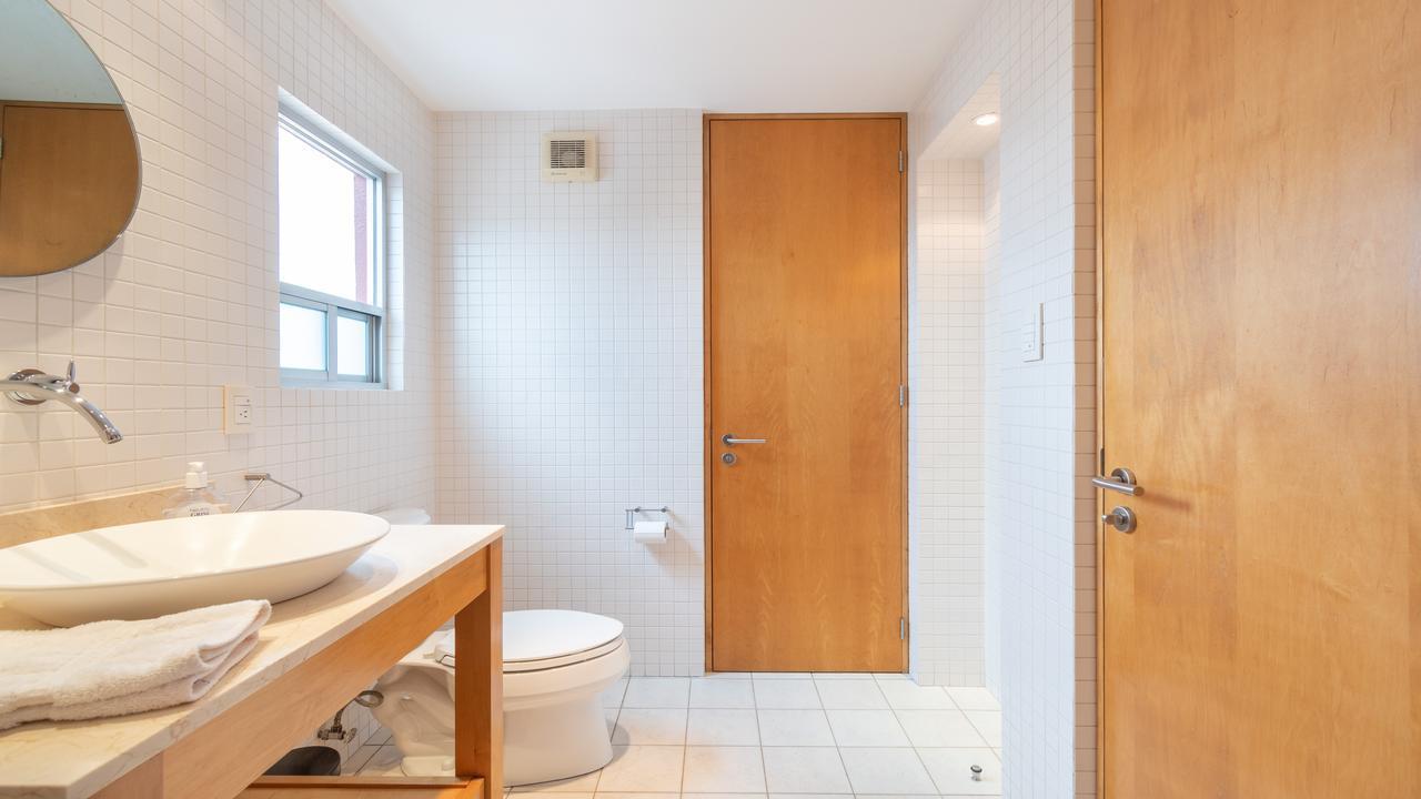 Imagen de baño en Eugenia, Del Valle Centro