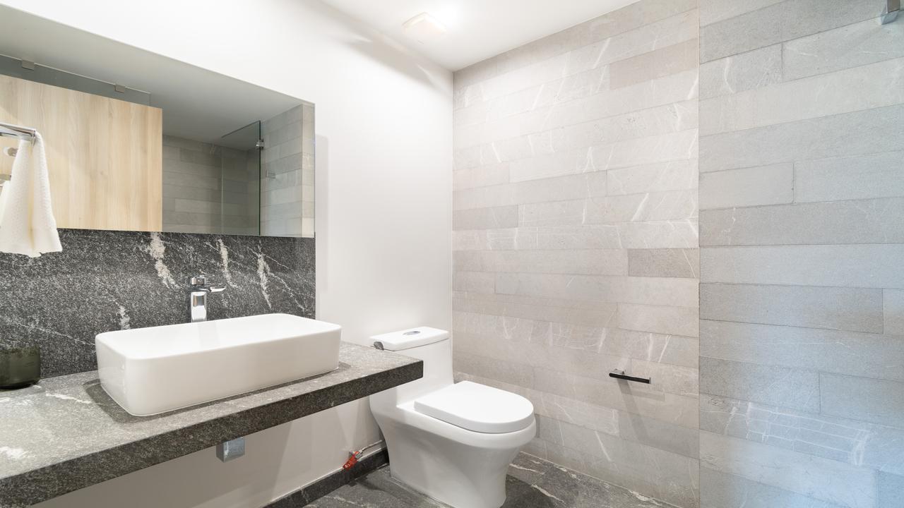Imagen de baño en Cadereyta, Hipódromo Condesa