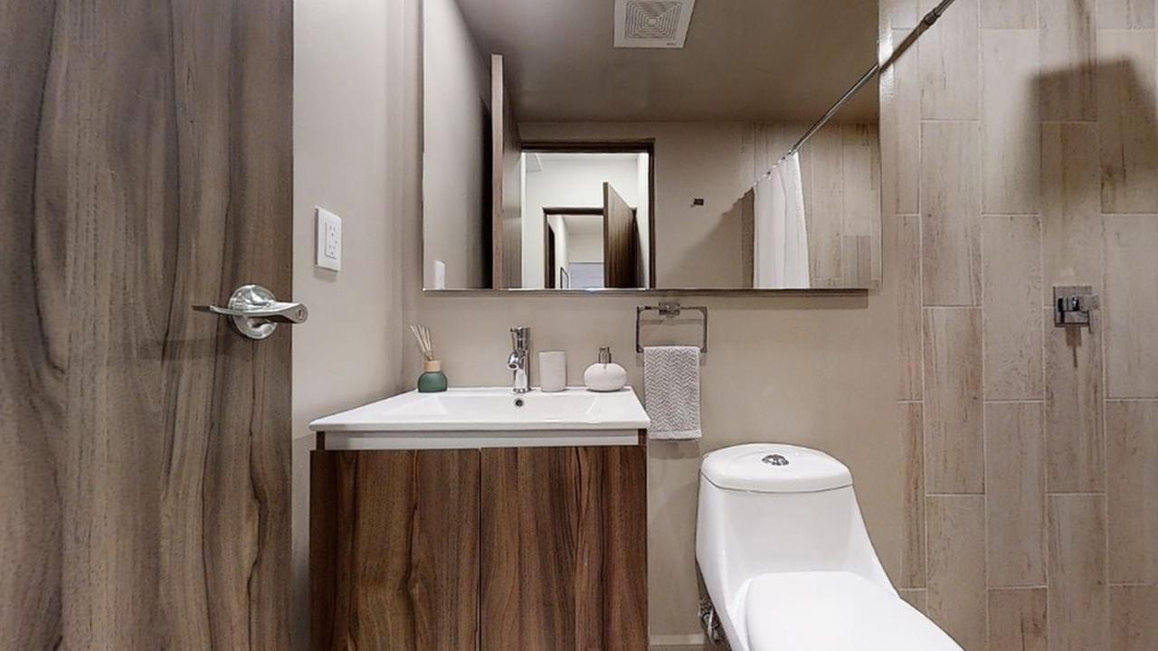Imagen de baño en Tomas Alva Edison, Tabacalera