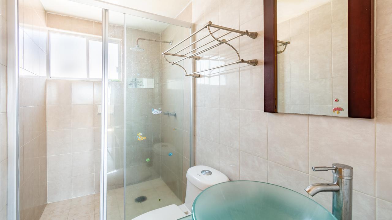 Imagen de baño en Ángel del Campo, Obrera