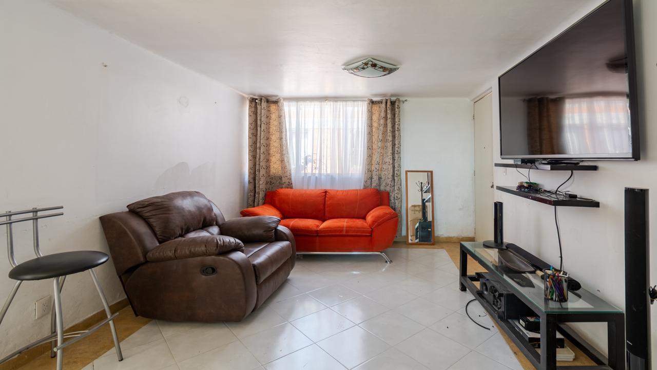 Imagen de salón en Ángel del Campo, Obrera