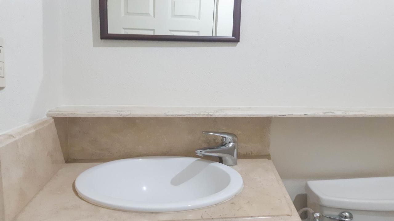 Imagen de baño en Calle Mariano Escobedo, Anahuac