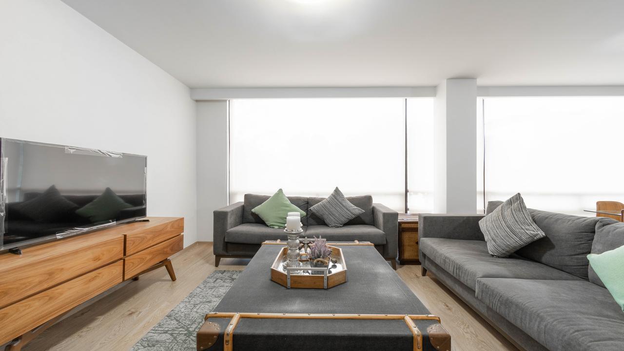 Imagen de salón en Avenida Benjamín Franklin, Hipódromo Condesa
