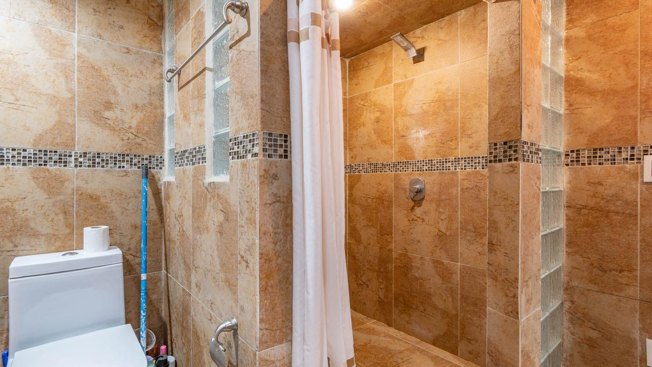 Imagen de baño en Avenida Insurgentes Sur, Tlalcoligia