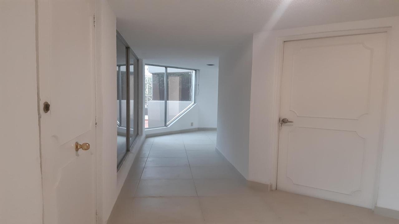 Imagen de salón en Diagonal San Antonio, Napoles